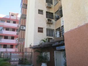 Apartamento En Ventaen Maracaibo, Dr Portillo, Venezuela, VE RAH: 18-3884