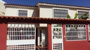 Townhouse En Ventaen Guatire, Country Club Buena Ventura, Venezuela, VE RAH: 18-4313