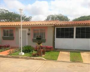 Casa En Ventaen El Tigre, Sector Avenida Intercomunal, Venezuela, VE RAH: 18-3912