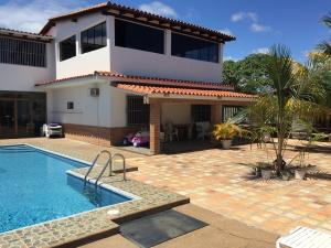 Casa En Ventaen Higuerote, Ciudad Balneario Higuerote, Venezuela, VE RAH: 18-4442