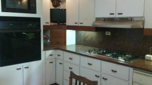 Apartamento En Ventaen Maracaibo, Cecilio Acosta, Venezuela, VE RAH: 18-4080