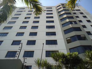Apartamento En Ventaen Barquisimeto, Parroquia Santa Rosa, Venezuela, VE RAH: 18-3932