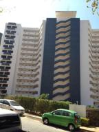 Apartamento En Ventaen Parroquia Caraballeda, La Llanada, Venezuela, VE RAH: 18-4645
