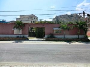 Casa En Ventaen Catia La Mar, Playa Verde, Venezuela, VE RAH: 18-7203