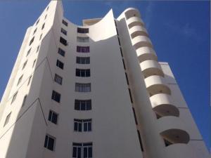 Apartamento En Ventaen Maracaibo, Santa Maria, Venezuela, VE RAH: 18-4092
