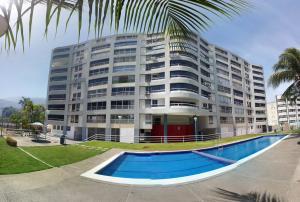 Apartamento En Ventaen Parroquia Caraballeda, Caribe, Venezuela, VE RAH: 18-4178