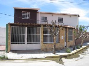 Casa En Ventaen Cagua, La Ciudadela, Venezuela, VE RAH: 18-4181