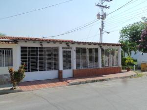 Casa En Ventaen Maracay, Villas De Aragua, Venezuela, VE RAH: 18-4213