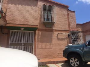 Casa En Ventaen Valencia, Trigal Norte, Venezuela, VE RAH: 18-4224