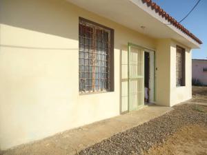 Casa En Ventaen Punto Fijo, Puerta Maraven, Venezuela, VE RAH: 18-4254