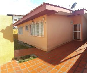 Casa En Ventaen Coro, Av Romulo Gallegos, Venezuela, VE RAH: 18-4302