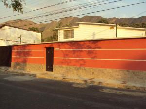 Casa En Ventaen Maracay, Barrio Sucre, Venezuela, VE RAH: 18-4323