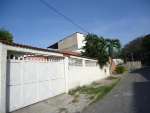 Casa En Ventaen Parroquia Caraballeda, Palmar Este, Venezuela, VE RAH: 18-4367