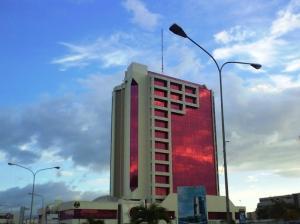 Oficina En Ventaen Barquisimeto, Parroquia Santa Rosa, Venezuela, VE RAH: 18-4372