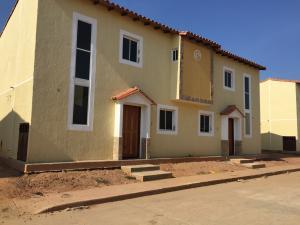 Townhouse En Ventaen Ciudad Ojeda, Barrio Libertad, Venezuela, VE RAH: 18-4384