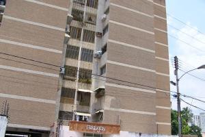 Apartamento En Ventaen Maracay, Zona Centro, Venezuela, VE RAH: 18-4435