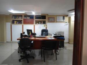 Local Comercial En Ventaen Maracaibo, 5 De Julio, Venezuela, VE RAH: 18-4399