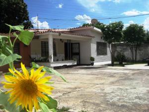 Casa En Ventaen Maracay, Andres Eloy Blanco, Venezuela, VE RAH: 18-4403