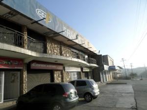 Local Comercial En Ventaen Charallave, Centro De Charallave, Venezuela, VE RAH: 18-4421