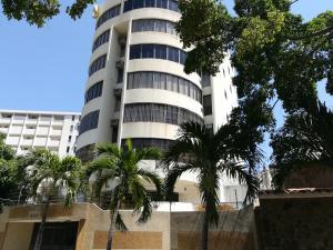 Apartamento En Ventaen Parroquia Caraballeda, Caribe, Venezuela, VE RAH: 18-4497