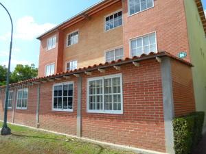 Apartamento En Ventaen Guatire, Alto Grande, Venezuela, VE RAH: 18-4465