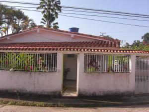 Casa En Ventaen Tacarigua, Tacarigua, Venezuela, VE RAH: 18-2811