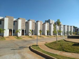 Townhouse En Ventaen Maracaibo, Circunvalacion Uno, Venezuela, VE RAH: 18-4561