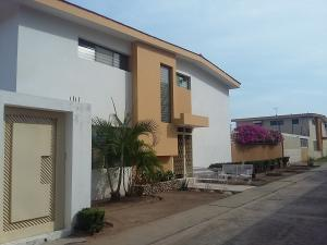 Casa En Ventaen Maracaibo, Avenida Baralt, Venezuela, VE RAH: 18-4573