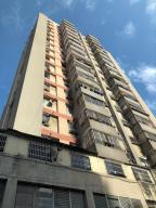 Apartamento En Ventaen Caracas, Parroquia Altagracia, Venezuela, VE RAH: 18-4572