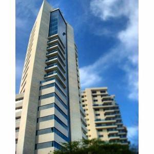 Apartamento En Ventaen Maracaibo, Valle Frio, Venezuela, VE RAH: 18-4596
