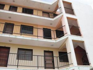 Apartamento En Ventaen Coro, Avenida Independencia, Venezuela, VE RAH: 18-4637