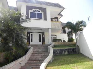 Casa En Ventaen Catia La Mar, La Colina De Catia La Mar, Venezuela, VE RAH: 18-4643
