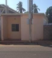 Casa En Ventaen Municipio San Francisco, Sierra Maestra, Venezuela, VE RAH: 18-4678