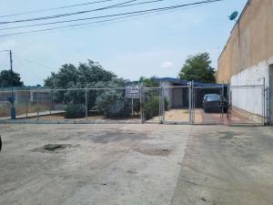 Local Comercial En Ventaen Municipio San Francisco, La Coromoto, Venezuela, VE RAH: 18-4694