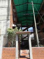 Apartamento En Ventaen Guatire, El Marques, Venezuela, VE RAH: 18-4797