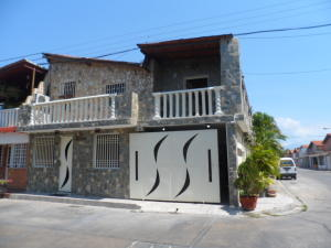 Casa En Ventaen Cagua, Prados De La Encrucijada, Venezuela, VE RAH: 18-4712