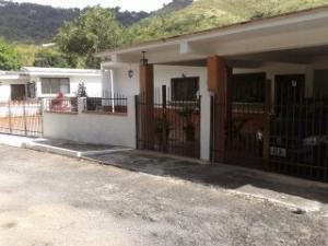 Casa En Ventaen Charallave, Los Anaucos, Venezuela, VE RAH: 18-5840