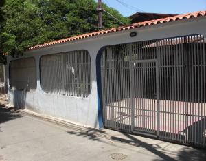 Casa En Ventaen Coro, Avenida Independencia, Venezuela, VE RAH: 18-4831
