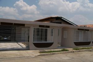 Casa En Ventaen Turmero, Parque Residencial Don Juan, Venezuela, VE RAH: 18-4848