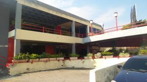 Local Comercial En Alquileren Valencia, Avenida Bolivar Norte, Venezuela, VE RAH: 18-4854