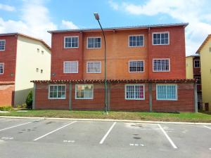 Apartamento En Ventaen Guatire, Alto Grande, Venezuela, VE RAH: 18-4869