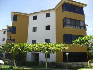 Apartamento En Ventaen Higuerote, Agua Sal, Venezuela, VE RAH: 18-4887
