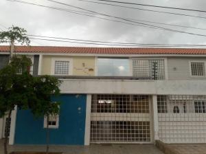 Townhouse En Ventaen Municipio San Francisco, La Coromoto, Venezuela, VE RAH: 18-4899