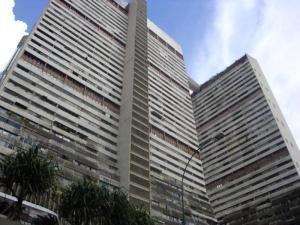 Oficina En Ventaen Caracas, Parque Central, Venezuela, VE RAH: 18-4973