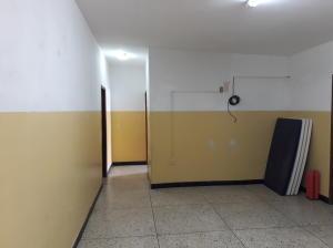 Local Comercial En Ventaen Ciudad Ojeda, La N, Venezuela, VE RAH: 18-5027