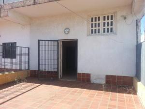 Townhouse En Ventaen Ciudad Ojeda, La N, Venezuela, VE RAH: 18-4998