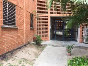 Apartamento En Ventaen Municipio San Diego, El Tulipan, Venezuela, VE RAH: 18-5055