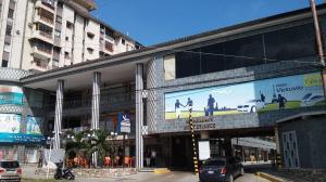 Local Comercial En Alquileren Valencia, Camoruco, Venezuela, VE RAH: 18-5104
