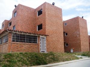 Apartamento En Ventaen Guatire, Canaima Iv, Venezuela, VE RAH: 18-5161