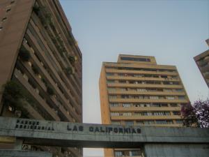 Apartamento En Alquileren Caracas, El Marques, Venezuela, VE RAH: 18-5526